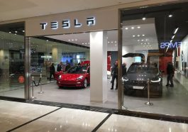 Tesla Store Parly 2 78 France