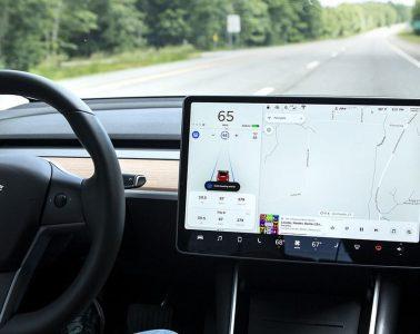 Autopilot-Tesla-Model-3