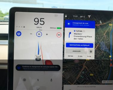Tesla Navigation Autopilot France