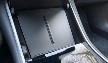 Chargeur induction téléphone Tesla Model 3