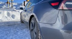 Tesla-Model-3-neige-ski-montagne-2020