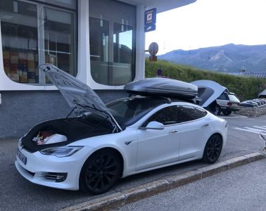 Tesla Model S Roadtrip France