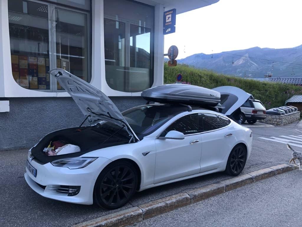 Tesla Model S Roadtrip France