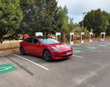 Tesla model 3 supercharger v3 Angouleme (1)