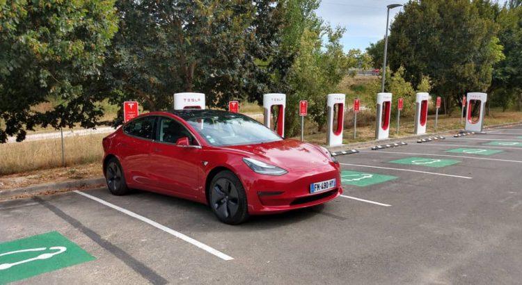 Tesla model 3 supercharger v3 Angouleme (1)