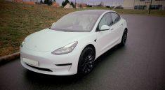 Space-mountain-Tesla-Model3
