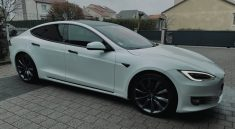 Covering chrome delete Model S Tesla