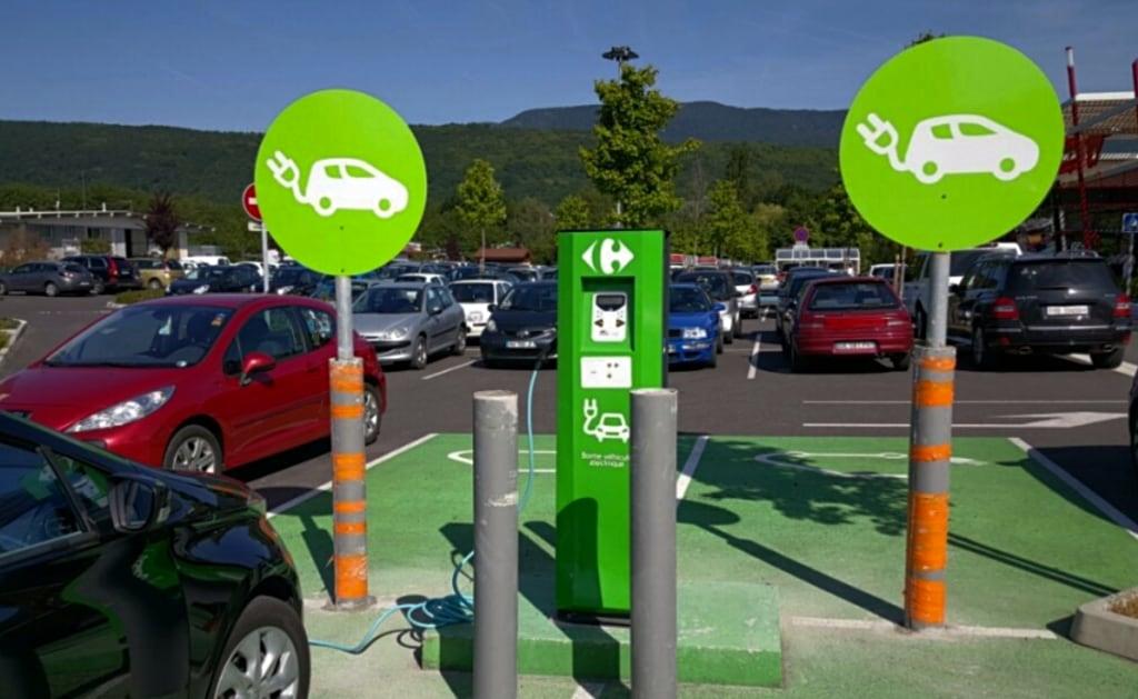 Bornes recharge Carrefour France