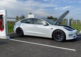 Tesla-Model-3-Supercharger-Avallon